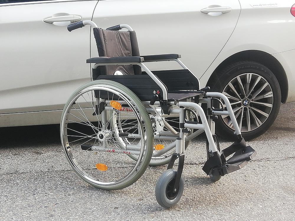 transport de malades assis sur Vaujany (38) | Alp Assistance Taxi